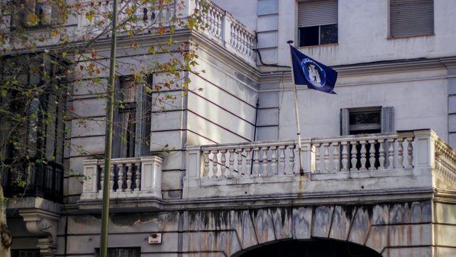 Desalojan al grupúsculo neonazi de Hogar Social de un palacete de Madrid