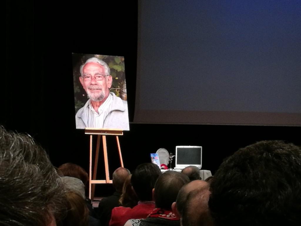 Sentido homenaje a José Luis Ochoa en el Centro Cívico Estación del Norte