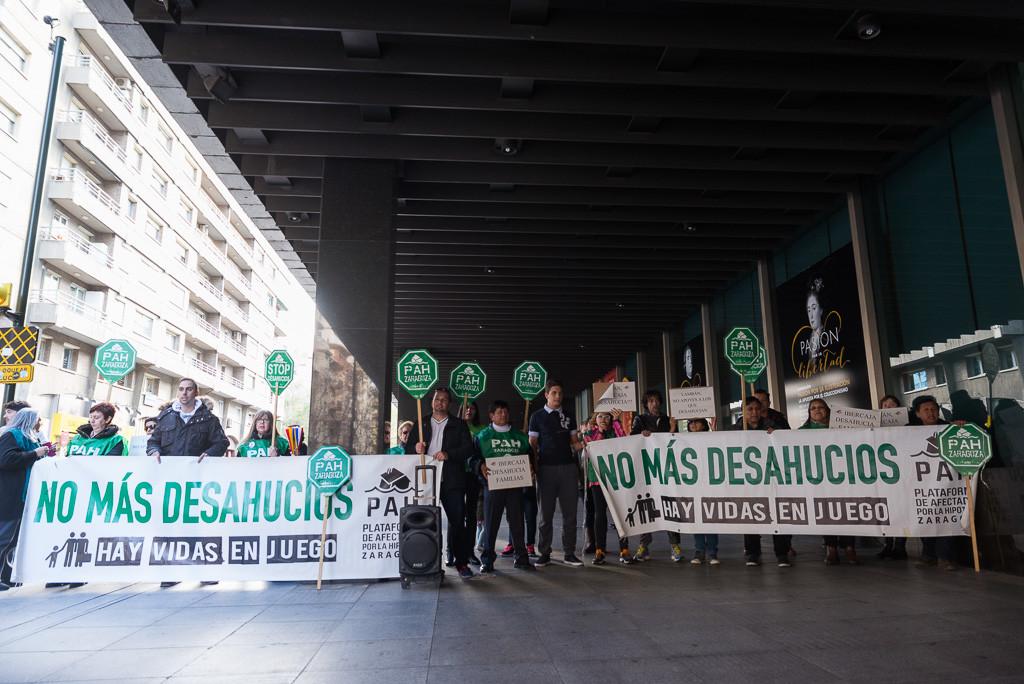 La PAH se moviliza para denunciar los desahucios que lleva a cabo Ibercaja