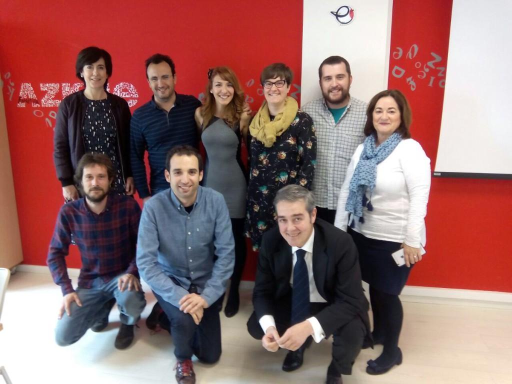 Puyalón visita los centros de promoción y difusión del euskera en Bilbo