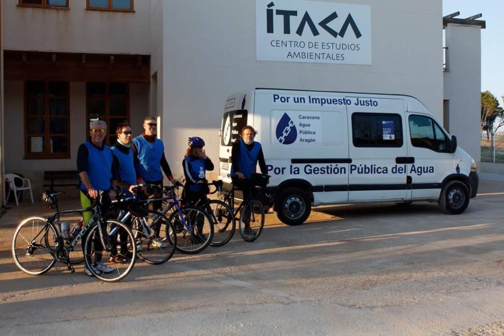 La Caravana por el Agua Pública atraviesa cuatro comarcas y llega a Alcanyiz
