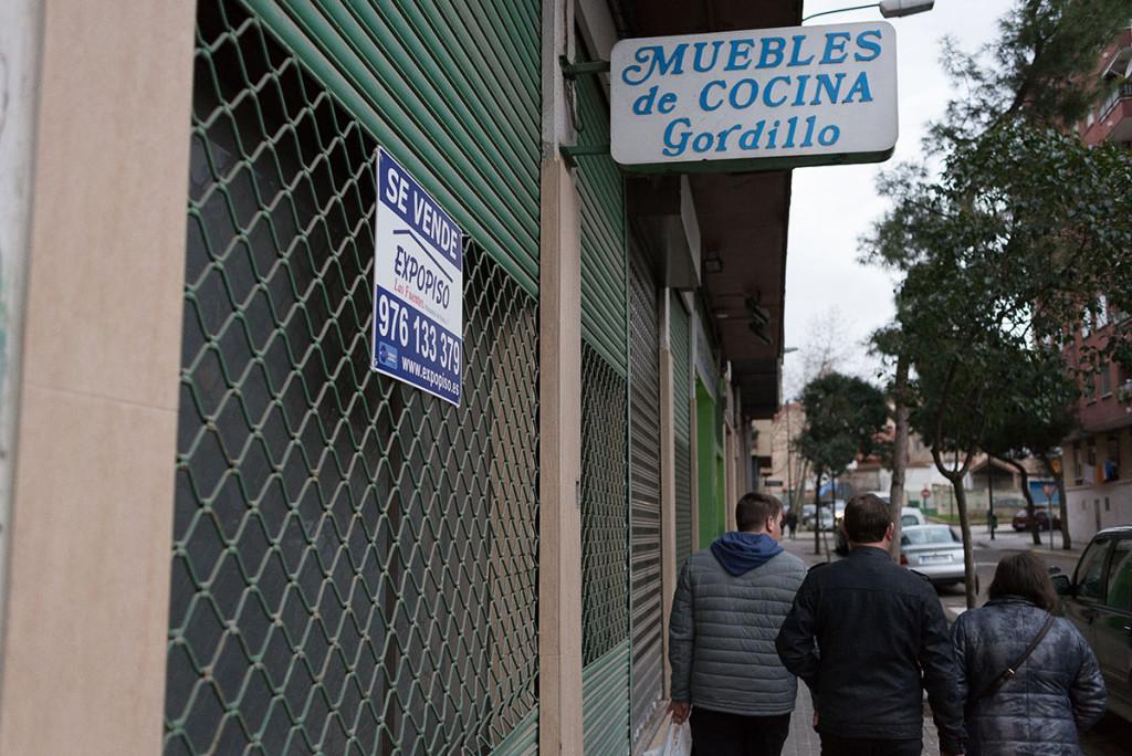Las Cortes de Aragón condenan al pequeño comercio con la liberación de horarios comerciales