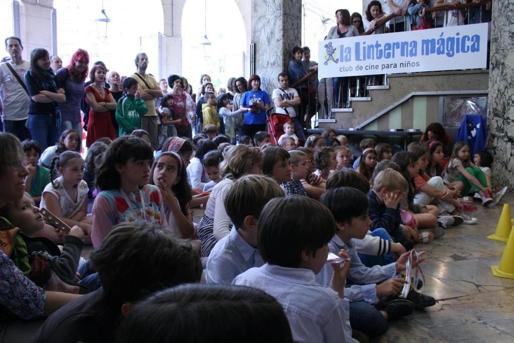El Festival de Espiello concede la Siñal Espiello Chicorrón a 'La Linterna Mágica'
