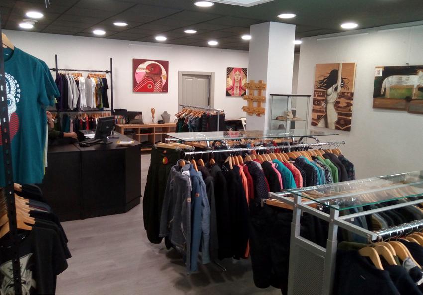Simbiosis celebra la reapertura de su tienda en Zaragoza con una fiesta