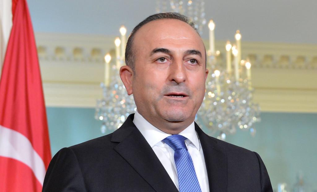 Holanda no permite el aterrizaje en el país del avión del ministro de Exteriores turco