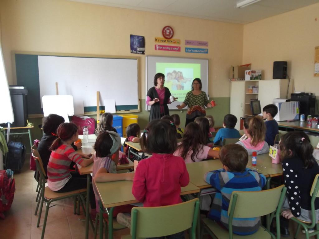 El alumnado del colegio de Azara participa en un taller de sensibilización sobre la gestión de los residuos