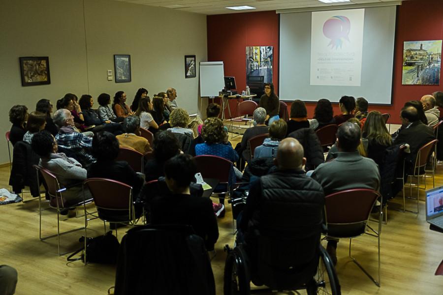 La ética de los cuidados y la economía invisible que los rodea protagonizan la primera sesion de Terapia Colectiva