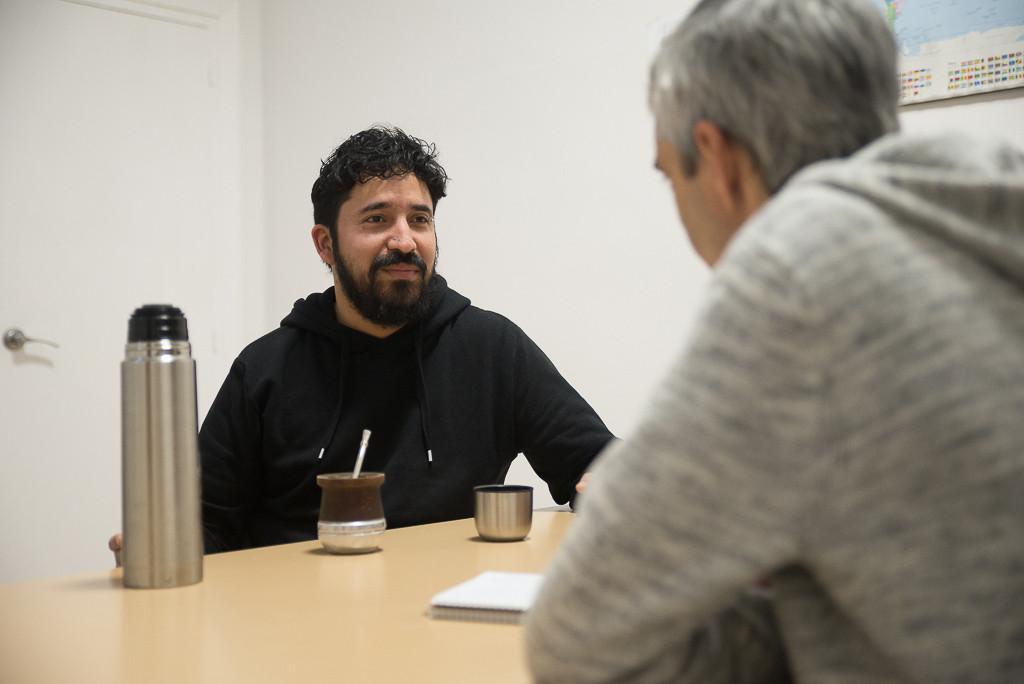 'Seba' y Félix durante la entrevista. Foto: Pablo Ibáñez (AraInfo)