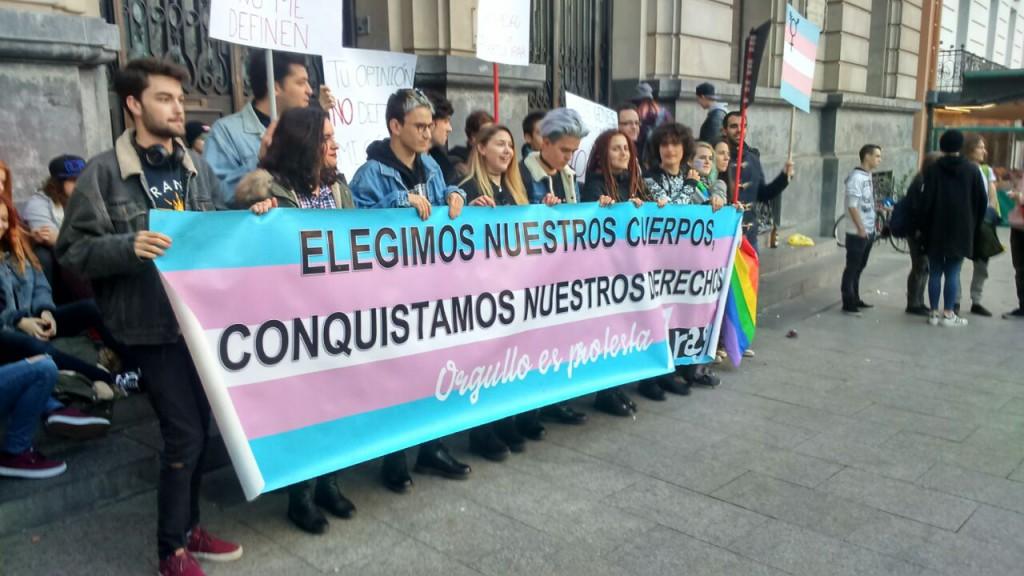 Concentración por el Día Internacional de la Memoria Trans