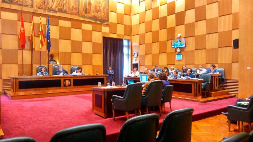 El Pleno de Zaragoza rechaza instar al DGA  la autorización inmediata de créditos destinados a inversión