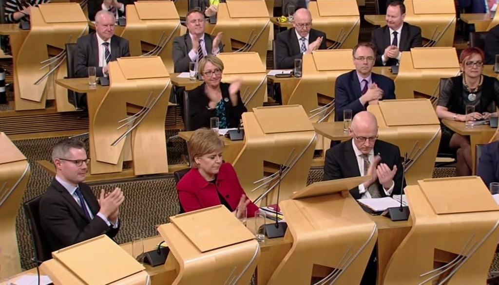 Escocia aprueba la negociación con Londres de un nuevo referéndum de independencia