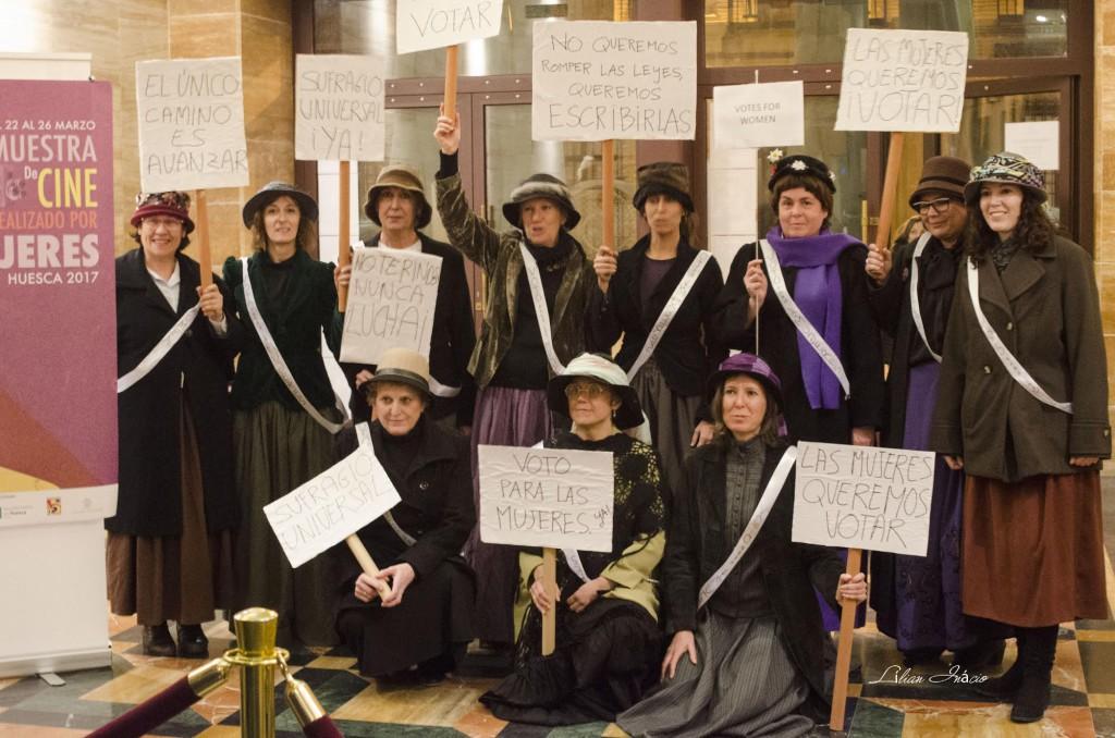 Las sufragistas reivindican su derecho al voto en el Teatro Olimpia de Uesca