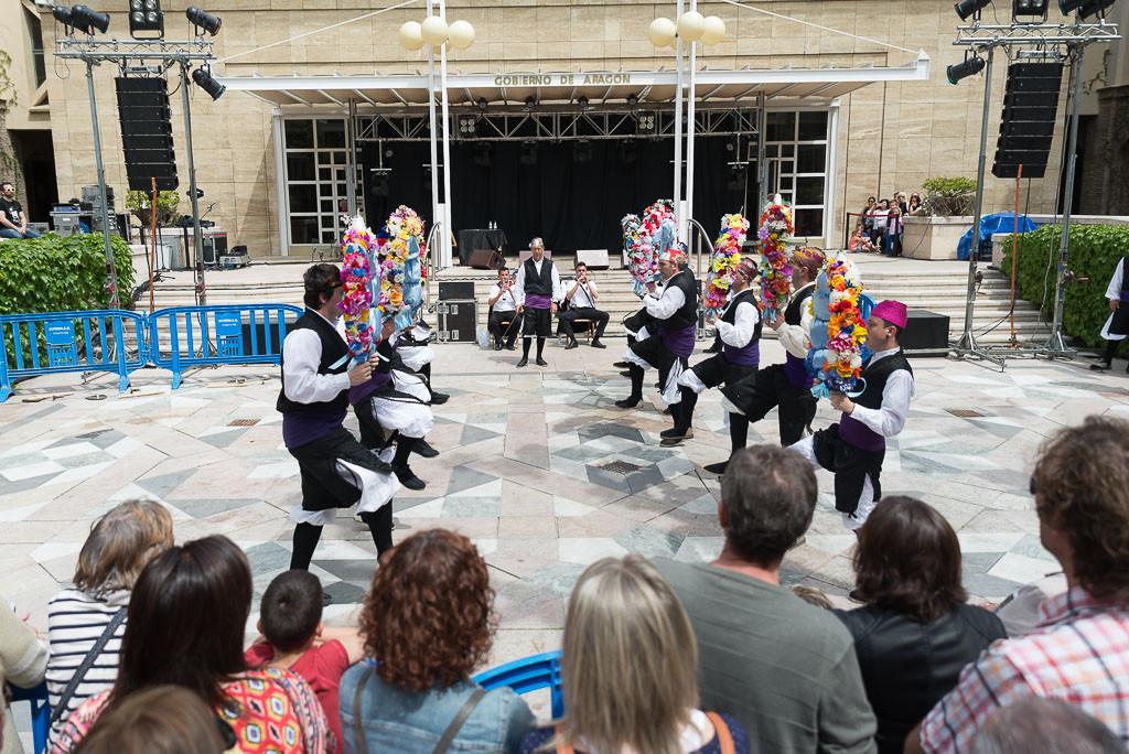 Pasacalles, música y deportes tradicionales para inaugurar tres días dedicados a Aragón