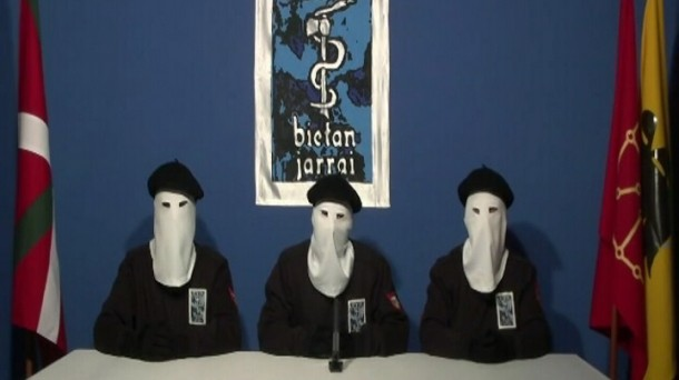 "ETA se declara ""organización desarmada"""