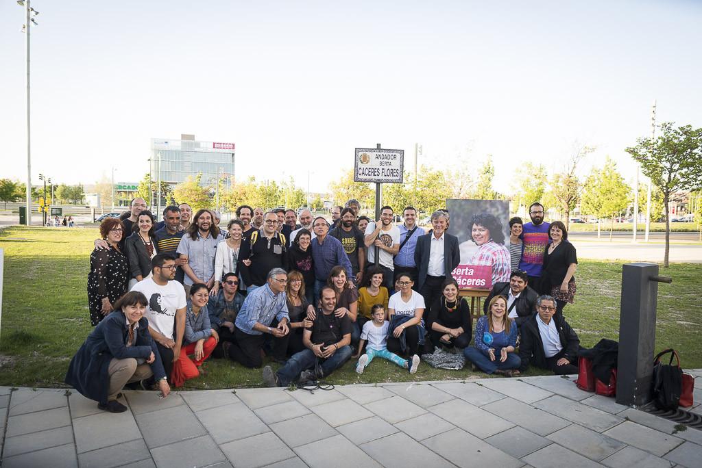 La inauguración del andador dedicado a Berta Cáceres en Zaragoza abre la Semana de la Lucha por la Tierra