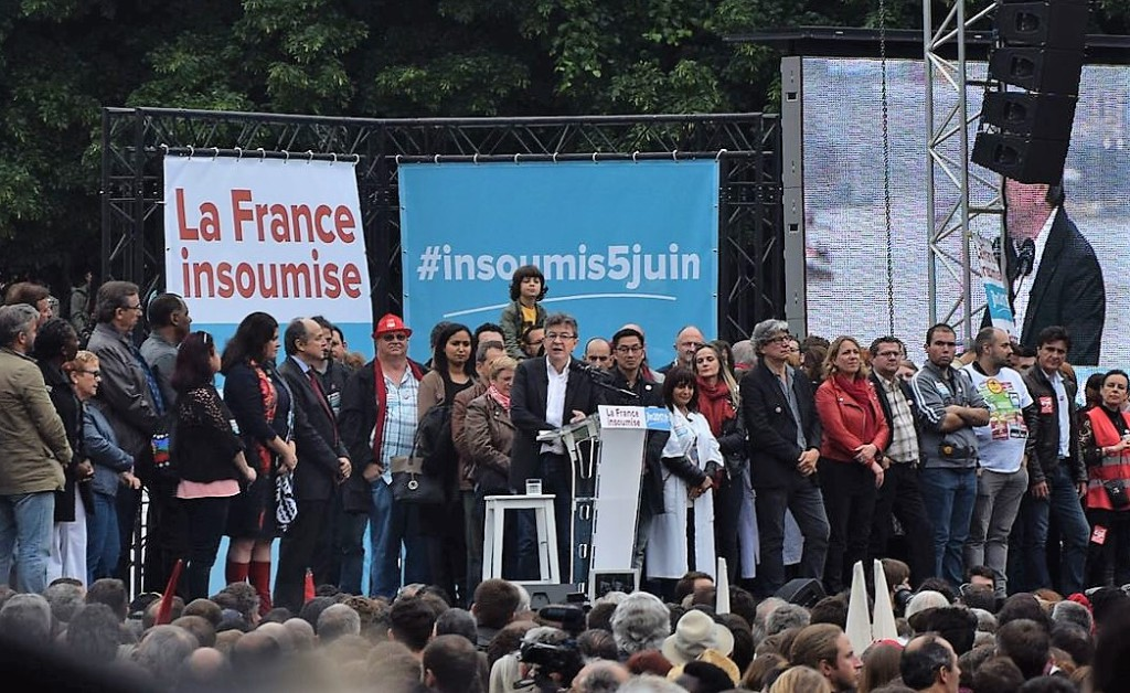 Jean-Luc Mélenchon más cerca de la segunda vuelta en las presidenciales francesas