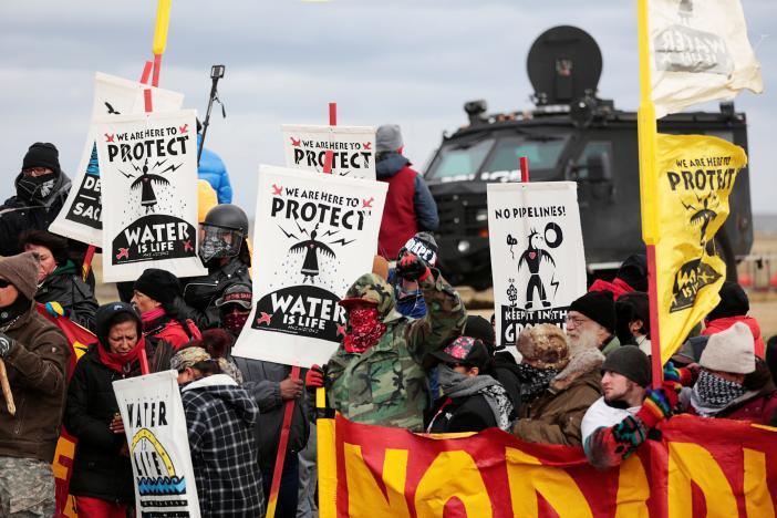 Activistas del movimiento de Standing Rock llevan su lucha climática a Europa