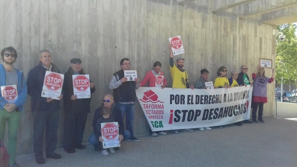 Plataformas Antidesahucios de Uesca exigen la paralización de todas las ejecuciones hipotecarias con vencimiento anticipado