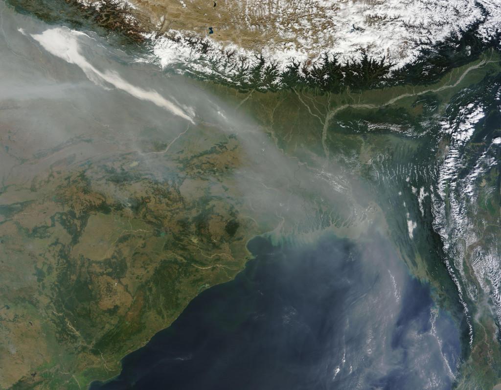 Las partículas suspendidas en la atmósfera y sus efectos en la población y el entorno, a análisis en el Campus de Uesca