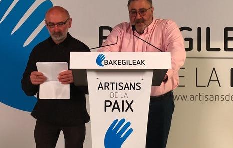 """La CIV recibe la localización de las armas de ETA de manos de los """"artesanos de la paz"""" y la transmite al Gobierno francés"""