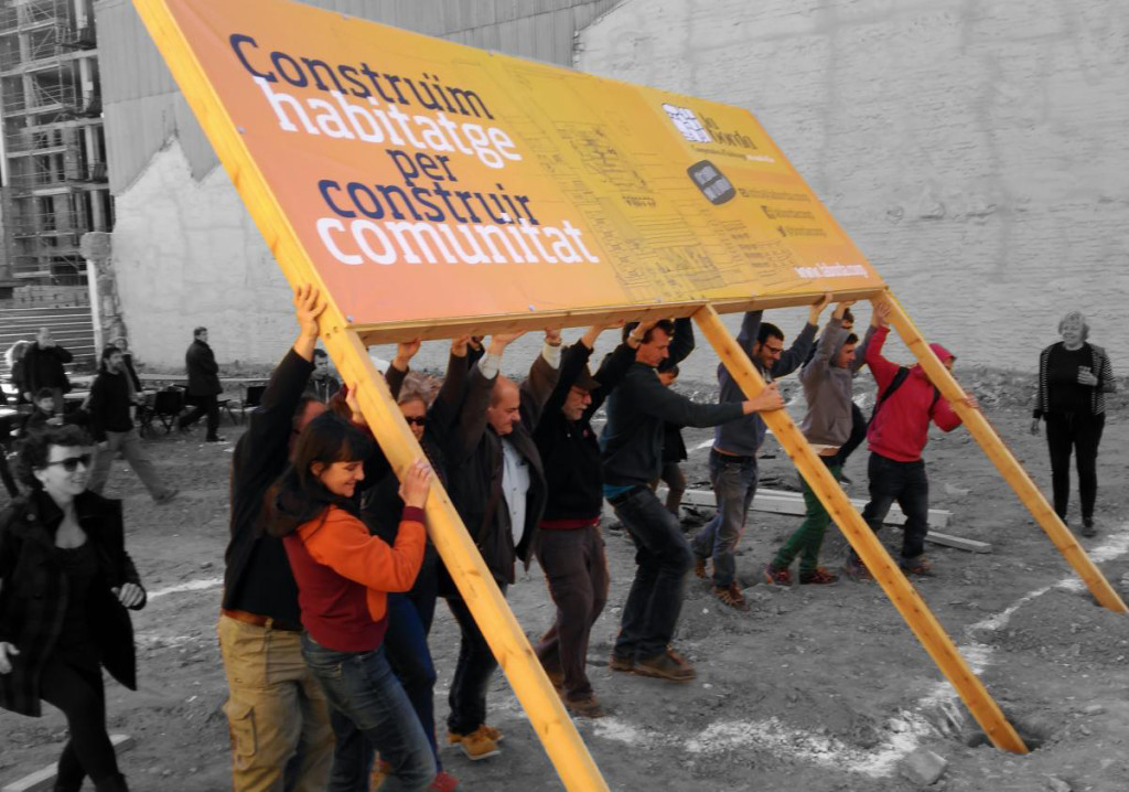 Construye La Borda: Otra forma de financiar para otra forma de habitar