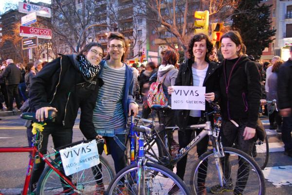 De izquierda a derecha, Marta Estopiñán, Mónica Herrera, Julia Mérida y Blanca Abós, de CERAI Aragón y otros colectivos por la soberanía alimentaria. (Foto: Resón Comunicación)