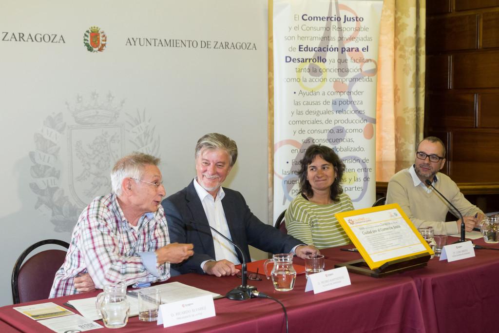Zaragoza recibe el título de Ciudad por el Comercio Justo