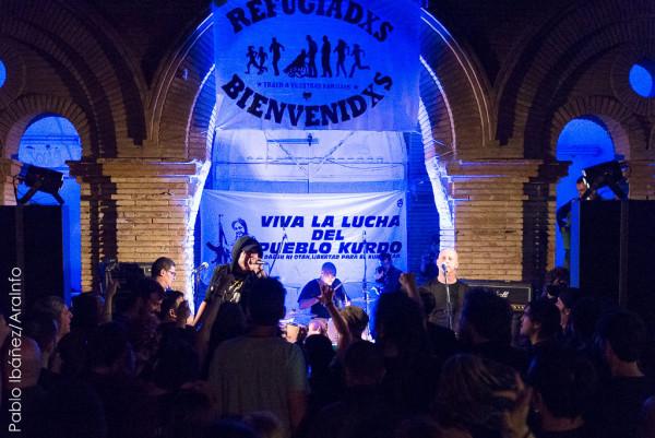 El Corazón del Sapo en directo en CSO Kike Mur de Zaragoza, en uno de los conciertos de la gira solidaria. Foto: Pablo Ibáñez (AraInfo). Foto: Pablo Ibáñez (AraInfo)