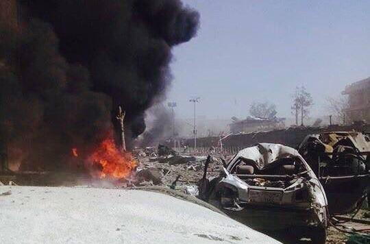 Al menos 90 personas muertas en un atentado suicida en Kabul
