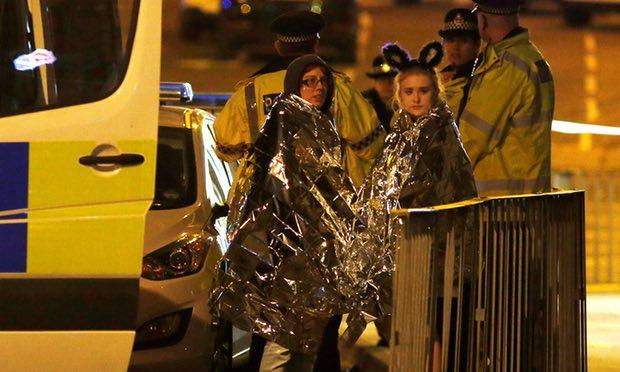Al menos 22 personas han muerto en un atentado en el Manchester Arena tras un concierto de Ariana Grande