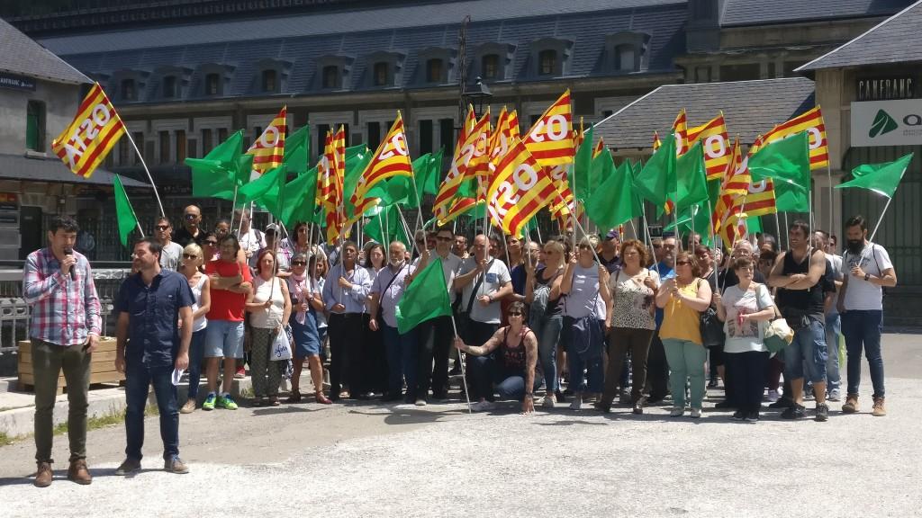 OSTA celebra su XV aniversario en Canfranc reivindicando la apertura de la línea ferroviaria