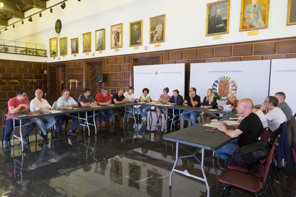 Los sindicatos aseguran que el Pacto de funcionarios de Zaragoza cumple la legalidad