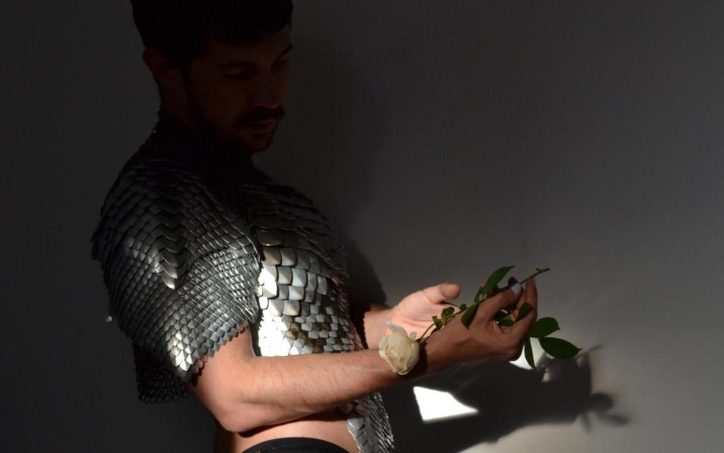 """Etopia presenta """"La Arquitectura de la Amistad"""", una performance y concierto del músico Santiago Latorre y el coreógrafo Carlos María Romero"""