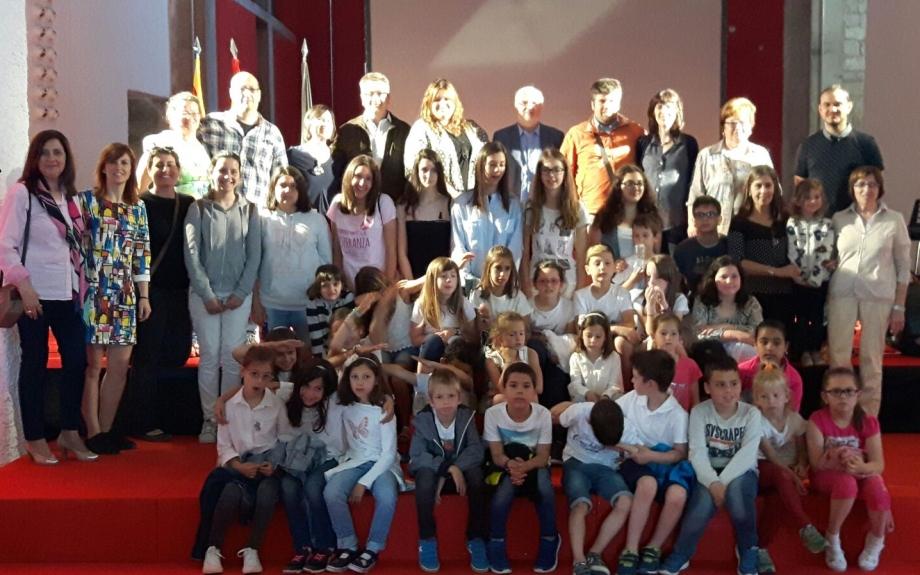 Más de 300 escolares del Baix Cinca participan en el homenaje al escritor aragonés en lengua catalana Josep Galán