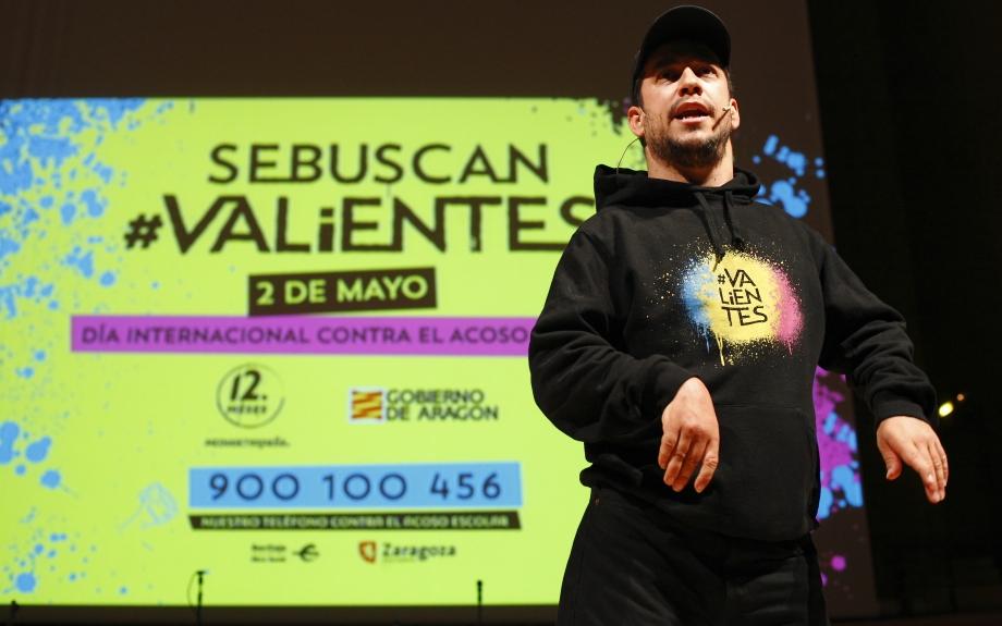 Casi dos mil valientes celebran su fuerza contra el acoso escolar en Zaragoza