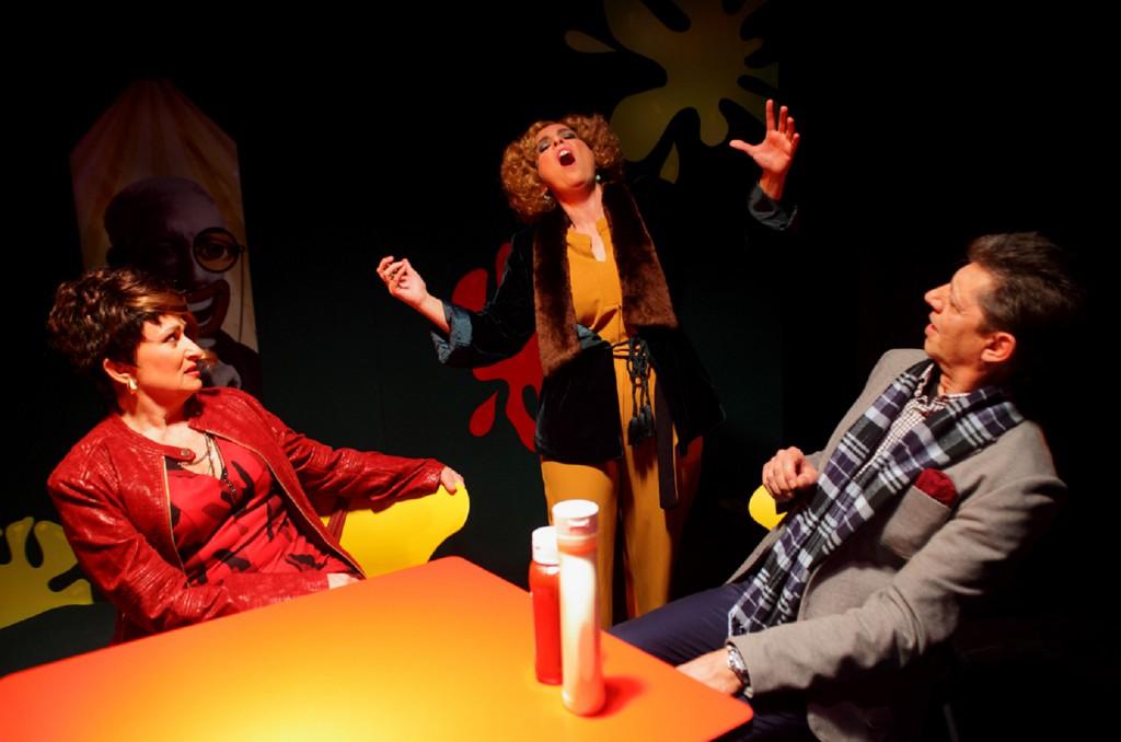 'La cantante calva' de Ionesco se actualiza en el Teatro de la Estación