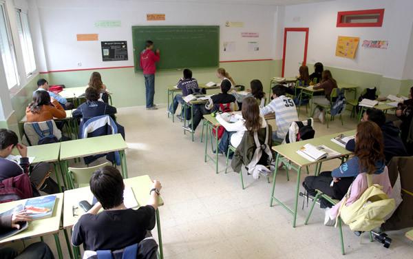 CEAPA insiste en un pacto educativo social y político