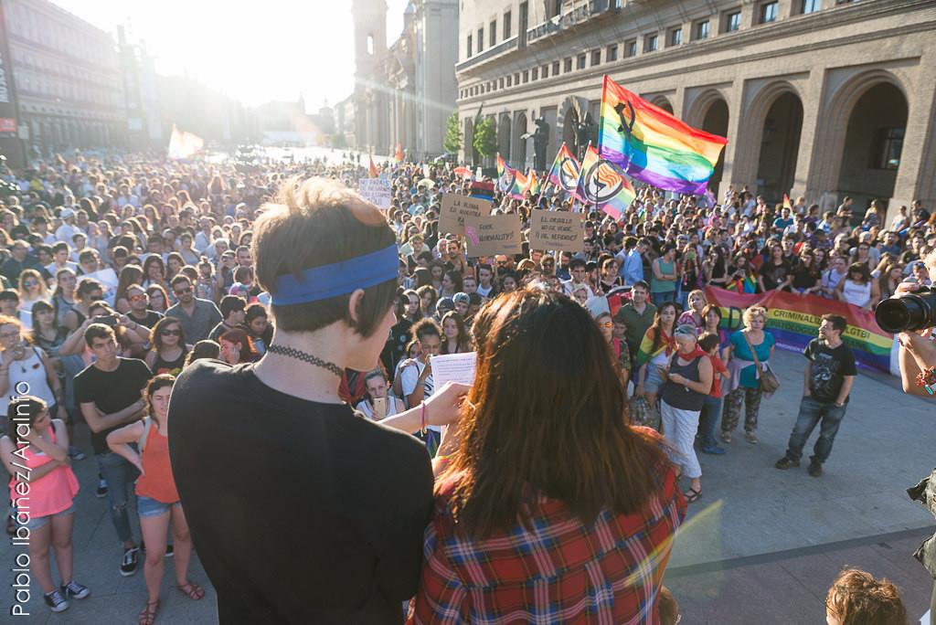 Más de 2000 personas defienden la diversidad LGBTIQ+ en Zaragoza
