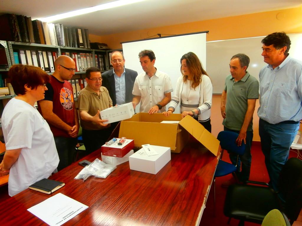 La oposición del Ayuntamiento de L'Ainsa impulsa la compra de material médico