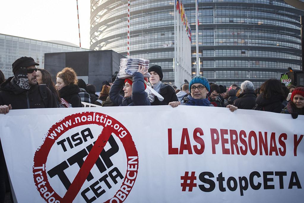 El CETA sale adelante en el Congreso español con el apoyo de la derecha y la abstención del PSOE