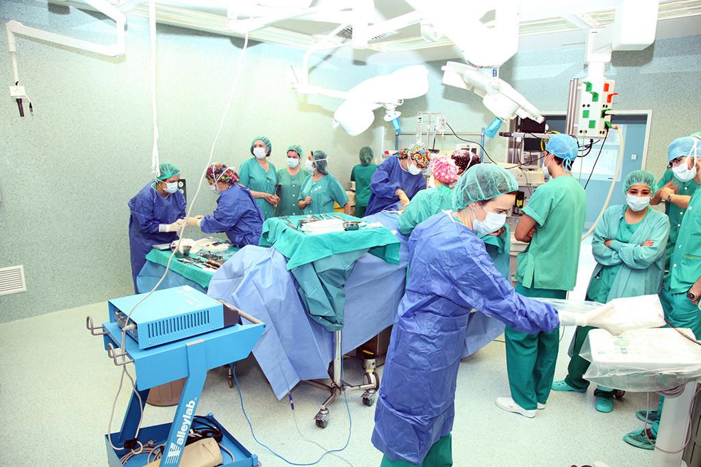 Primeros casos en Aragón de cirugía de cáncer mama con radioterapia intraoperatoria sin ingreso hospitalario