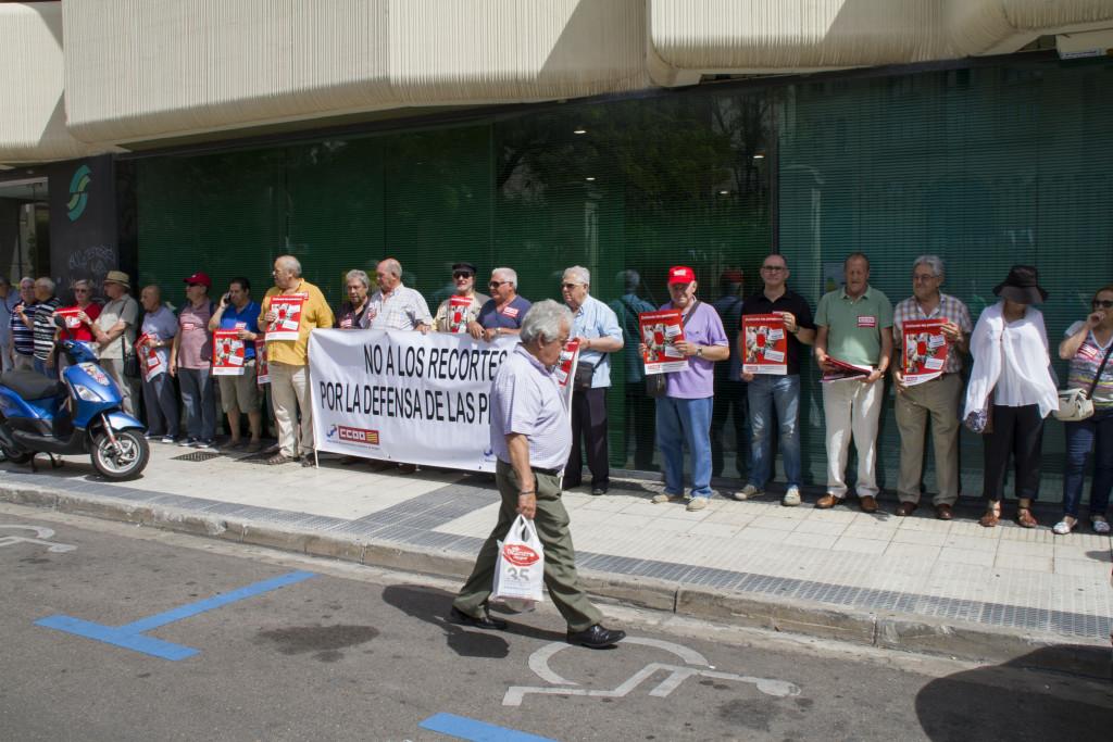 CCOO se concentra en Zaragoza en defensa del poder adquisitivo de las pensiones públicas