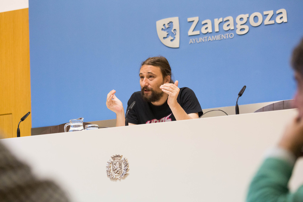 La lactancia materna es un derecho en las piscinas for Piscinas publicas zaragoza