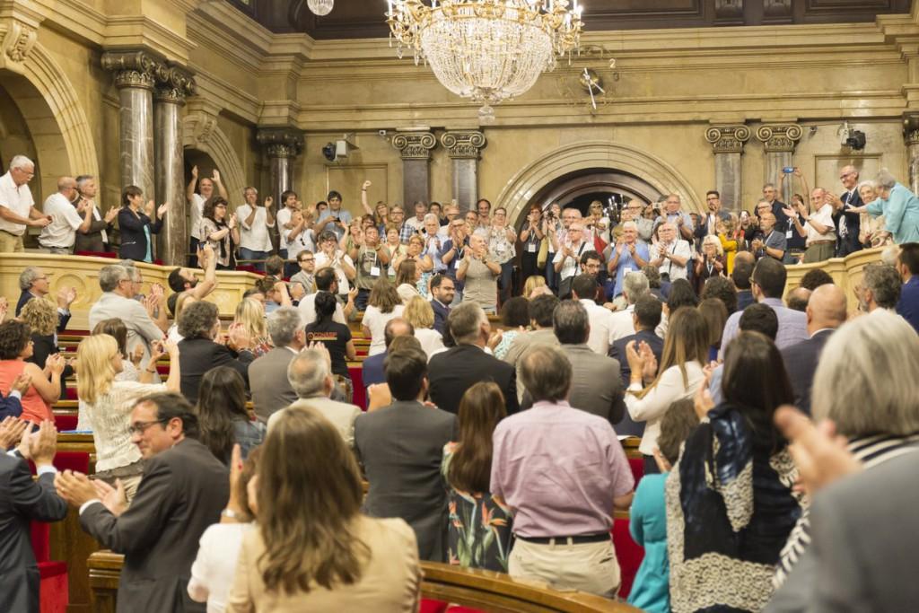 El Parlament de Catalunya aprueba por unanimidad la ley que declara nulos los juicios franquistas