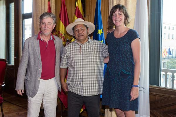Santisteve y Artigas junto a Fernández. Foto: AZ
