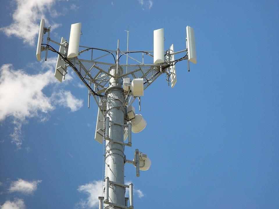 Podemos pide la aplicación de las recomendaciones de la UE sobre exposición a campos electromagnéticos en zonas escolares