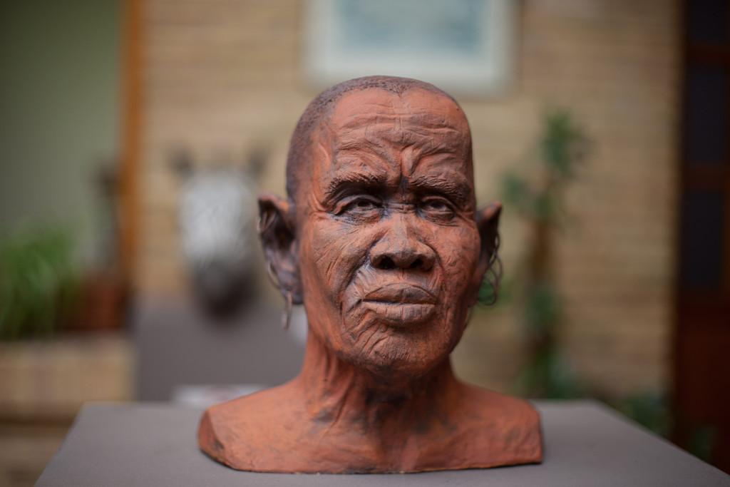 La Universidad Popular de Zaragoza y la Casa de las Culturas inauguran la exposición de cerámicas 'África'