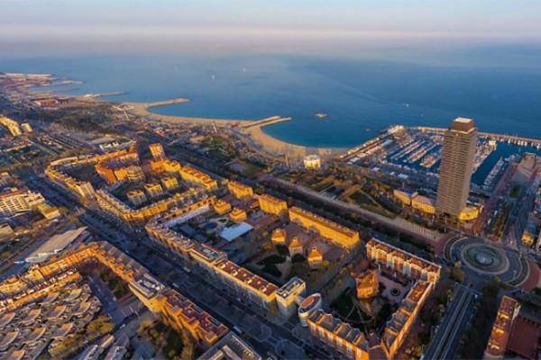 Una de les actuacions emblemàtiques va ser la construcció de la Vila Olímpica,