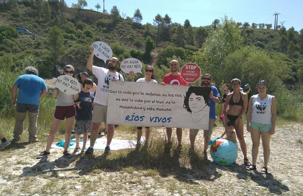La Galliguera da el «Gran Salto» al río Galligo en defensa de su territorio
