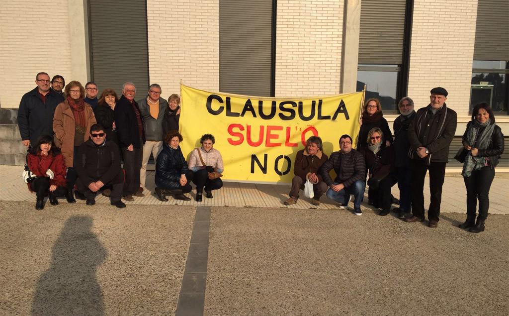 El Ayuntamiento de Fraga concede el alta en el padrón a una familia que ocupa una vivienda propiedad de BBVA